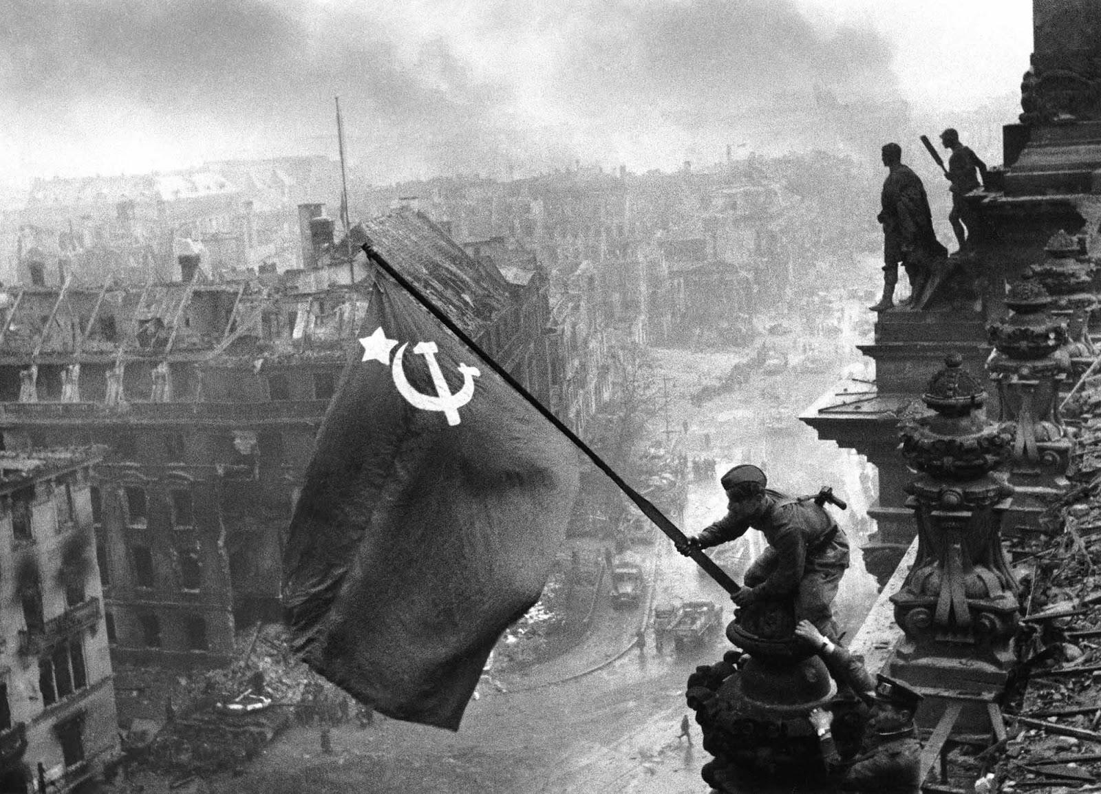 Résultats de recherche d'images pour « reichstag 1945 »